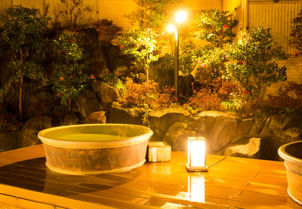 森の湯の陶器風呂