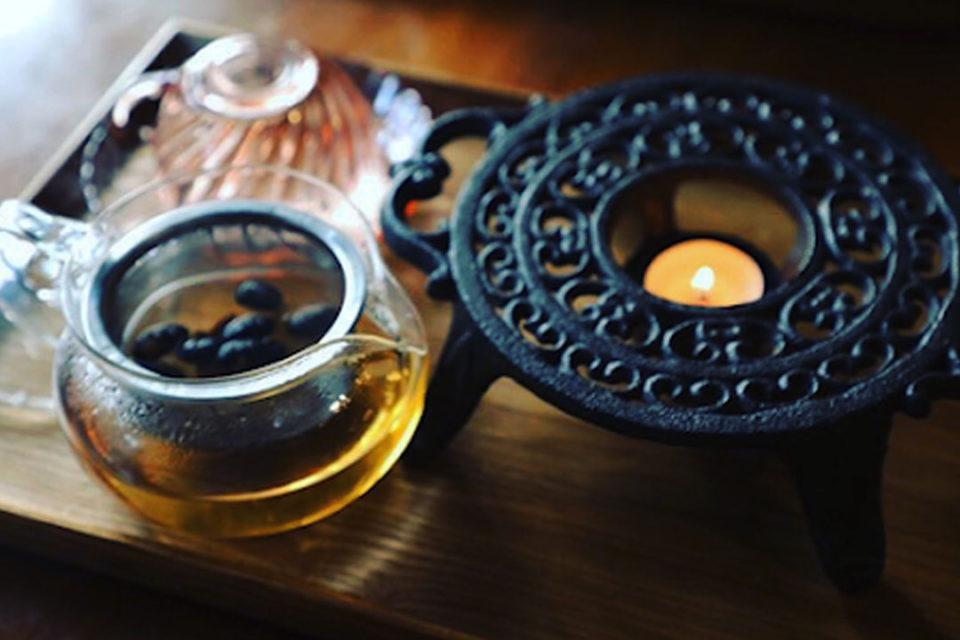 燕カフェの薬膳茶