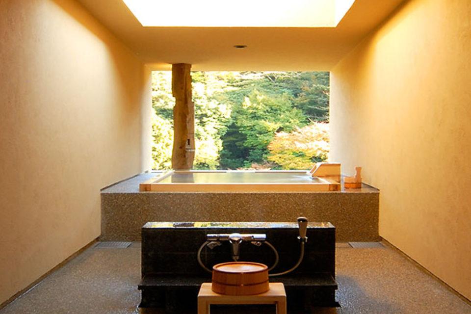 箱根水明荘の貸切露天風呂白鷺