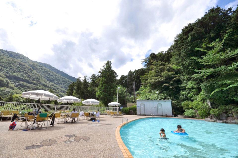 箱根の森おかだ野外プール