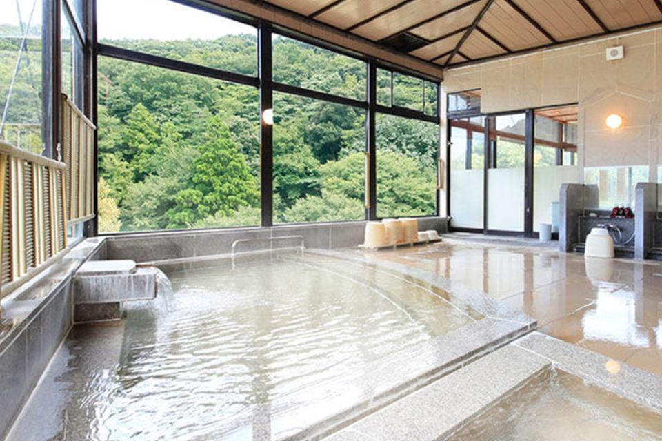 箱根水明荘の展望大浴場 月の湯